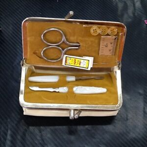 Vintage Travel Small Sewing Bag Cream $9.97
