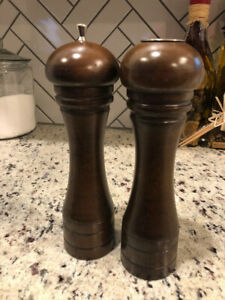 Mr. Dudley Refillable Wooden Salt and Pepper Mill Spice Herb Grinder Retro