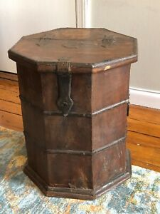 Octagonal Side Table Trunk with Storage