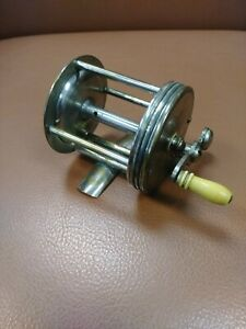 Vintage 4 Brothers Pflueger Regal, casting reel Smooth and Awesome $17.99