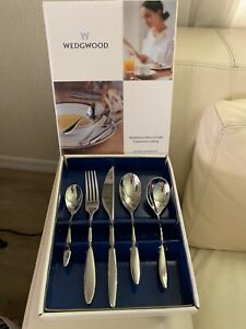 NEW Rare Wedgwood METROPOLITAN STAINLESS Cutlery 5 Piece Place Setting 1001613