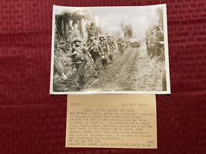 "1944 Original Acme News Photo WWII ""Jungle Troops Advance On Wadke"" 5 31 1944"