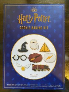 Harry Potter Cookie Baking Set New In Box $23.99