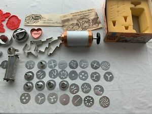 Vintage Mirro Cookie Pastry Press With Extras $25.00