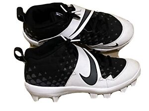 NIKE 5.5 youth Cleats Black And White $13.99