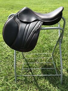 M. Toulouse Brittany Platinum Close Contact Saddle with Genesis System $1500.00