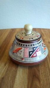 VINTAGE PISAC CUSCO PERU HANDCRAFTED amp; PAINTED POTTERY BOWL LID.........XMAS 14