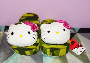 New Hello Kitty Plush Camouflage Girls Slippers Size 2 3
