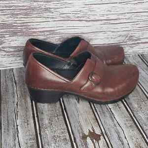Dansko nursing clogs brown size 41