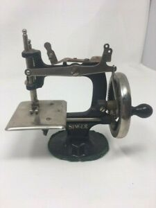 Model 20 #x27;A Singer for the Girls#x27; 1920s miniature toy Singer sewing machine for $150.00