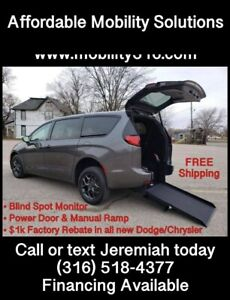 2020 Chrysler Pacifica Limited Red S 4dr Mini Van $41500.00