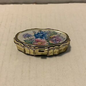Vintage Collectible Mini Travel Sewing Pill Case 2141 $10.00