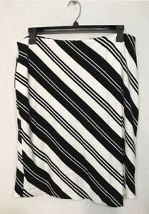 Women's Black and White Striped Chicos Skirt Size 2.5 14 $11.99