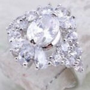 BEAUTIFUL SPARKLING WHITE TOPAZ & SILVER ENGAGEMENT RING SIZE 7 TIMELESS CLASSIC