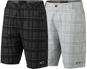 Oakley Men's Stanley 10.5 O Hydrolix Lightweight 4 Way Stretch Plaid Golf Shorts
