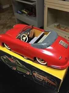 porsche tin toy car battery op litho