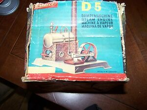 vintage d5 steam engine with rare partial