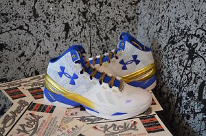 New DS In hand Under Armour Stephen Curry 2 Gold Rings Authentic retro OG size