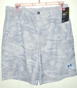 Under Armour Hydro Armour Performance Cargo Shorts Size: 36 (NWT)