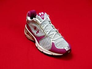 Under Armour  Women Pink & Silver Fabric Walking Sneakers Size 6-M