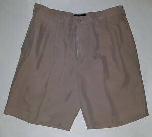 Ashworth Casual Golf Shorts Size 34 Pleated Chinos Khakis MicroGrid Pattern EUC