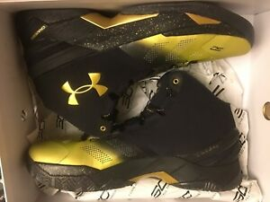 NEW UNDER ARMOUR CURRY BACK TO BACK B2B MVP BLACK GOLD SHOE MEN SIZE 13 ONLY 2's