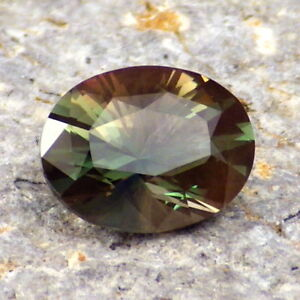 GREEN-TEAL-COPPER MULTICOLOR MYSTIQUE OREGON SUNSTONE 1.70Ct FLAWLESS-RARE!
