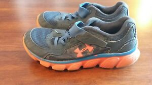 Under Armour Boys Size 1Y Blue White Athletic Shoes