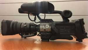 JVC ProHD Solid-State Camcorder w 17x Fujion lens Shot Gun Mic and Case