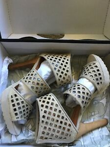 New Miss Sixty Women's Tiana Leather Platform Sandals Ice Size 6