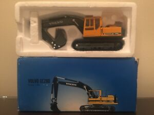 Scoop 150 Scale Diecast Metal - Dealer Special Volvo EC280 Tracked Excavator