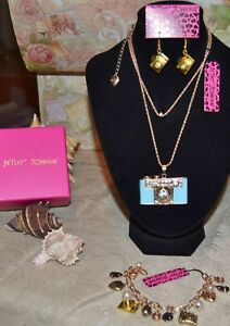3PC BETSEY JOHNSON  CRYSTALBLUE CAMERA NECKLACE EARRINGS CHARM BRACELET NEW