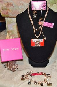 3PC BETSEY JOHNSON  CRYSTALRED CAMERA NECKLACE EARRINGS CHARM BRACELET NEW