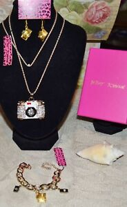 3PC BETSEY JOHNSON  CRYSTALWHITE CAMERA NECKLACE EARRINGS CHARM BRACELET NEW