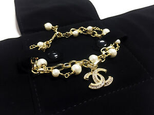 NIB Classic CHANEL pearls bracelet 18K gold double hand chain crystal CC logo