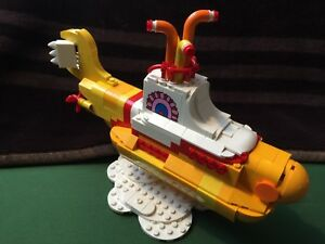 LEGO 21306 Yellow Submarine w Stand ONLY The Beatles NO minifigures FREE POST $99.88