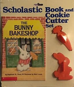 BUNNY BAKESHOP (BOOK AND COOKIE CUTTER SET) By Stephanie St. Pierre *BRAND NEW*