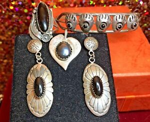 VINTAGE STERLING SILVER NATIVE AMERICAN MIXED LOT EARRINGS RING BRACELET PENDANT