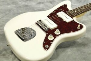 Fender 2018 Limited Collection 60s Jazzmaster Vintage White With Hard Case