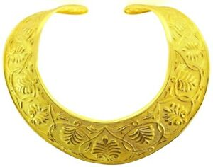 18K Yellow Gold 750 Stamp Hammered Leaves Embossed Collar Necklace