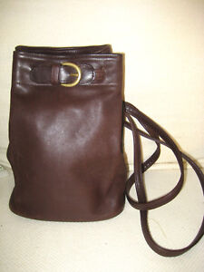 COACH Leather Bucket Bag  Back Pack Style  B7H 4162 Chocolate Brown NICE