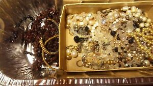 Fashion jewlery lot real loose pearls in this