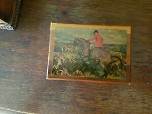 Small Vintage Box with Hunt Scene $10.00