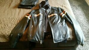 Harley Davidson Women's Enthusiast Black Leather Jacket with Hoodie separate XL