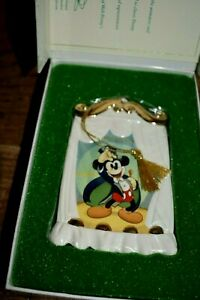 Walt Disney Collections On With the Show Mickey Ornament 1997 $19.99