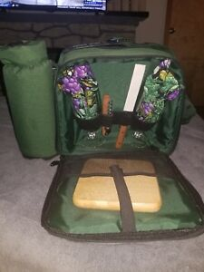 Picnic Time Wine & Cheese Carry Tote w/Utensils & Cutting Board Bottle holder