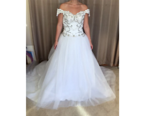 GORGEOUS WHITE PNINA TORNAI INSPIRERED WEDDING DRESS BRAND NEW WTAGS !