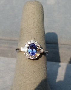 OVAL NATURAL TANZANITE & DIAMOND 18K WHITE GOLD RING FANTASTIC PURPLE COLOR
