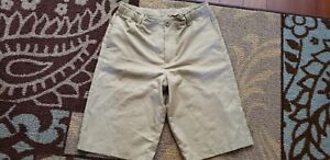 Under Armour Boy's Golf Shorts Khaki Lightweight Youth Extra Large YXL $24.95