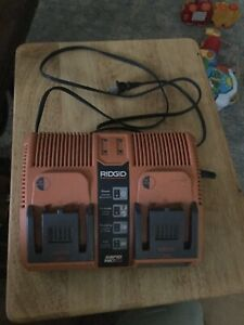 Ridgid 140276002 12v14v18v Rapid Max Twin Battery Charger Charging Station.